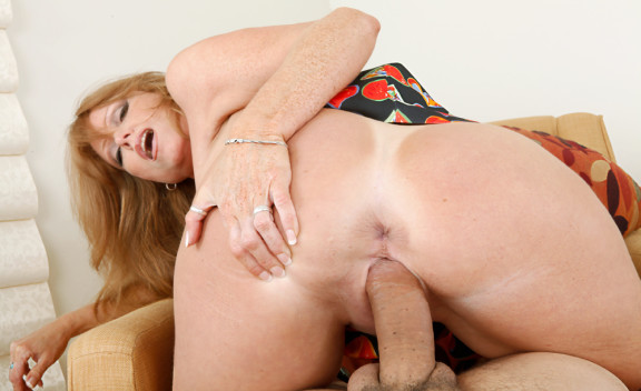 Wife Darla Crane fucking in the bedroom with her tits - Sex Position #9