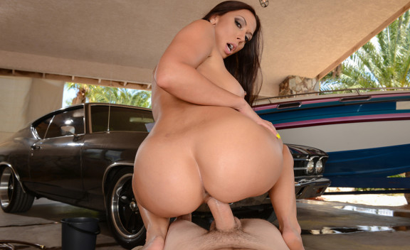 Rachel Starr fucking in the outdoors with her big ass - Sex Position #6