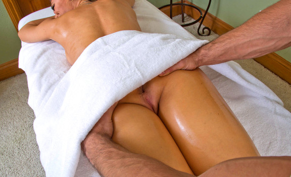 Nicole Aniston fucking in the massage table with her tits - Sex Position #4